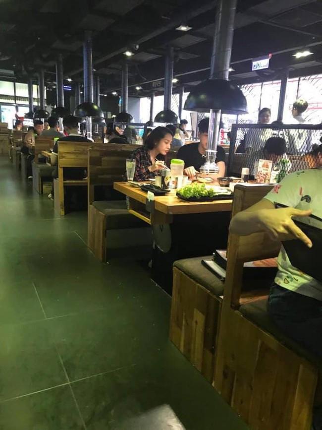 Rò rỉ bức ảnh Bảo Anh và Hồ Quang Hiếu đi ăn cùng nhau làm rộ tin cặp đôi tái hợp? ảnh 0