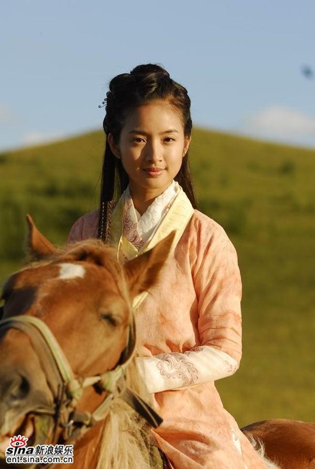 Trước Tiểu nữ Hoa Bất Khí, Lâm Y Thần đã thành công với những tạo hình cổ trang xinh đẹp nào? ảnh 13