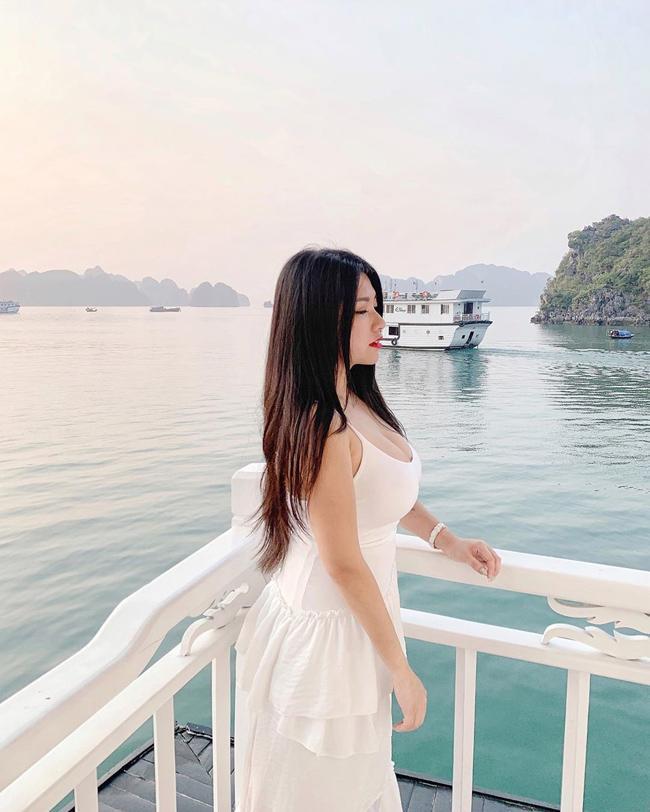 Hotgirl vòng 1 khủng của Malaysia vướng nghi án PTTM để có vẻ ngoài nóng bỏng như hiện tại ảnh 6