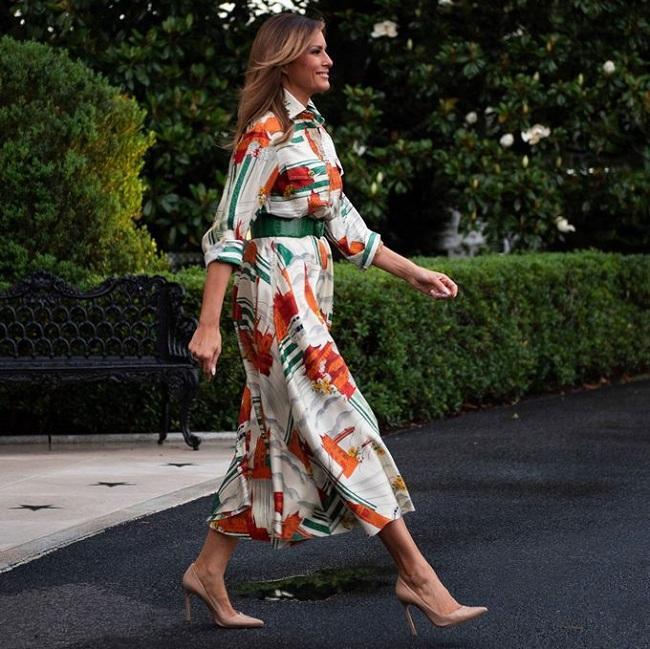 Công chúng tiếp tục xuýt xoa với trang phục váy sơ mi đến từ nhà mốt Gucci mà Đệ nhất Phu nhân Mỹ mặc trên người có giá 4.400 Đô la Mỹ ( tầm 102 triệu đồng).
