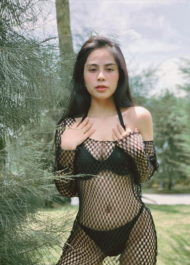 Vượt mặt Elly Trần, đây chính thức là bà mẹ 1 con lấy lại body gợi cảm nhất showbiz Việt ảnh 1