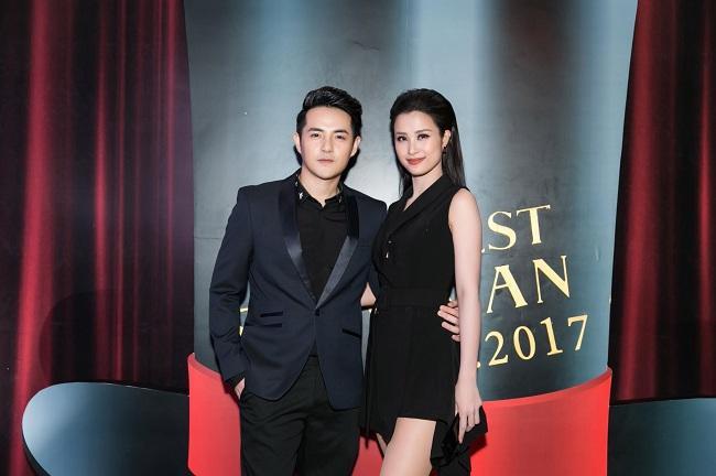 Xuất hiện trên thảm đỏ nếu Ông Cao Thắng nam tính mạnh mẽ trong suit tinh tế thì Đông Nhi quyến rũ trong bộ váy đen quyến rũ