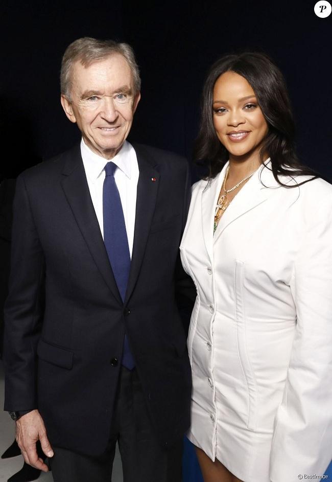 """Rihanna hợp tác với chủ tịch tập đoàn LVMH để làm """"bà chủ"""" một thương hiệu riêng của mình"""