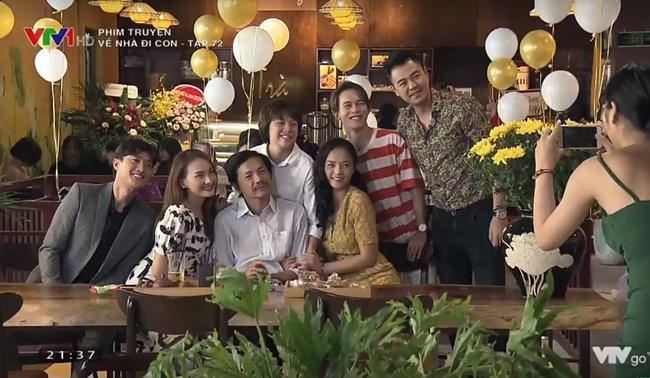Vũ và Quốc từng chụp bức ảnh gia đình cùng nhà ông Sơn.