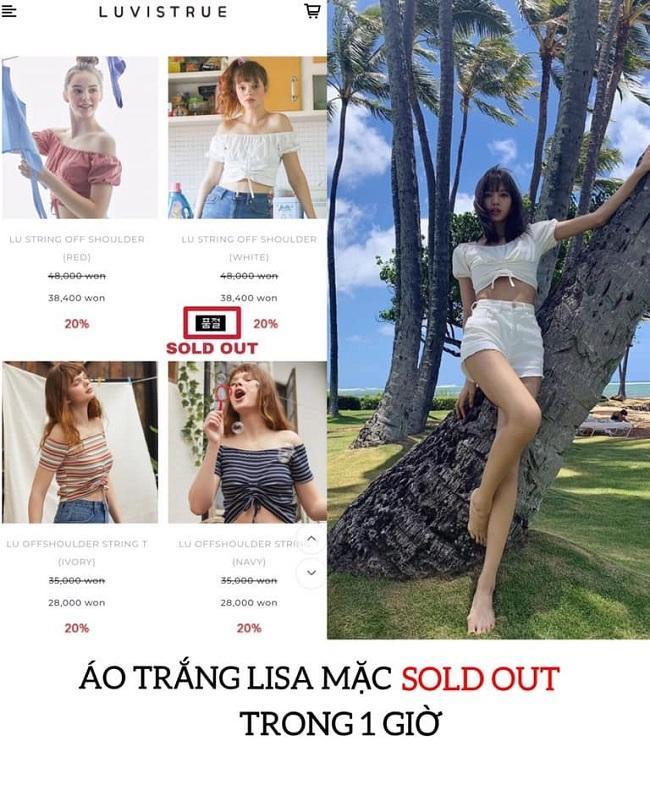 """Kiểu áo croptop mà Lisa mặc đến từ thương hiệu Luvistrue của Hàn đã """"cháy hàng"""" đúng cái màu mà mỹ nhân người Thái mặc. Giá gốc của áo là 48.000 nghìn won ( tầm 933 nghìn đồng)"""