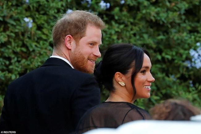 Cả hai vợ chồng Hoàng gia Anh xuất hiện tại tiệc cưới kín đáo của nhà mốt Misha Nonoo