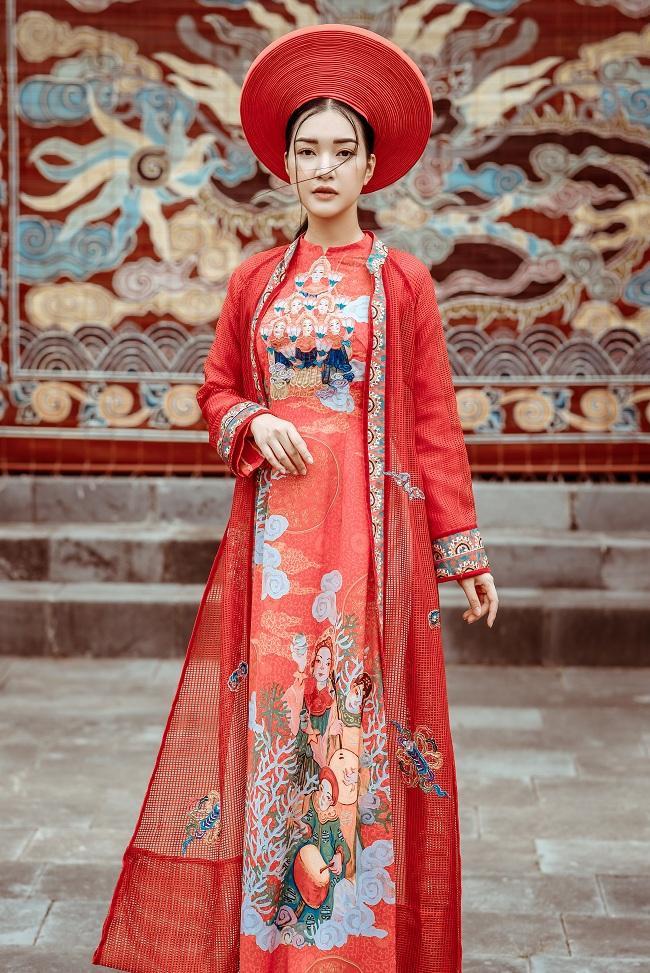 Ngọc Trân có vẻ đẹp đài các, quyền quý của phụ nữ cung đình xưa bộ ảnh áo dài về Nhã nhạc cung đình Huế tại lăng Thiệu Trị