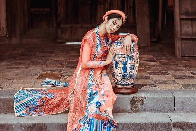 Hoa hậu Ngọc Hân và 'nàng thơ xứ Huế' mơ mộng trong tà áo dài cách tân ảnh 6