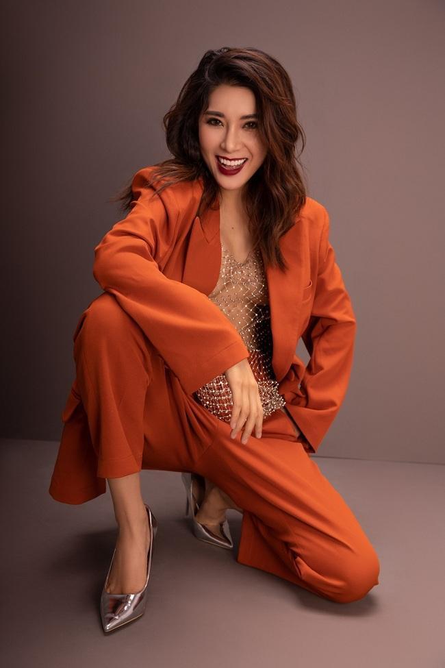 Chuộng màu sắc rực rỡ và có phong cách quyến rũ, Á hậu Yan My đã biến thành mĩ nhân trong bộ ảnh mới nhất của mình.