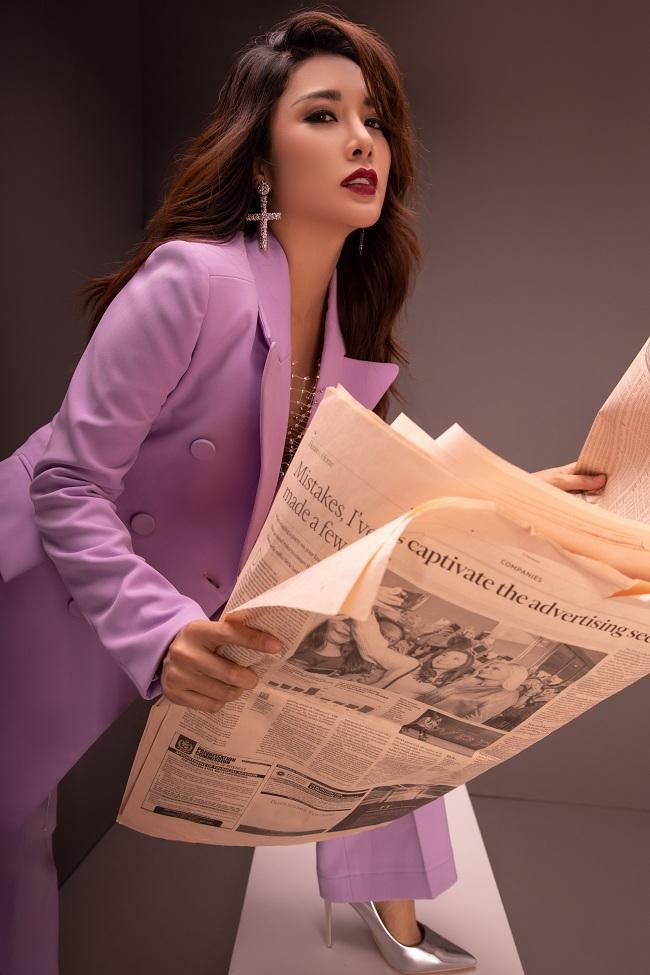 Yan My cho biết thêm, mùa lạnh năm nay, tín đồ thời trang còn được trải nghiệm màu tím, từ tím oải hương đến tím đậm.