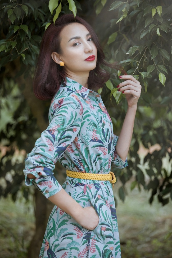 Thần thái quý phái của một người phụ nữ, lúc thì dịu dàng, đằm thắm, có khi lại sang trọng, quyến rũ trong các thiết kế váy vintage ngọt ngào