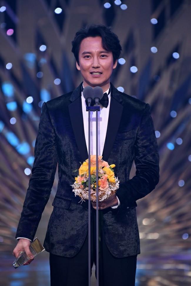 Giành giải Daesang của SBS.