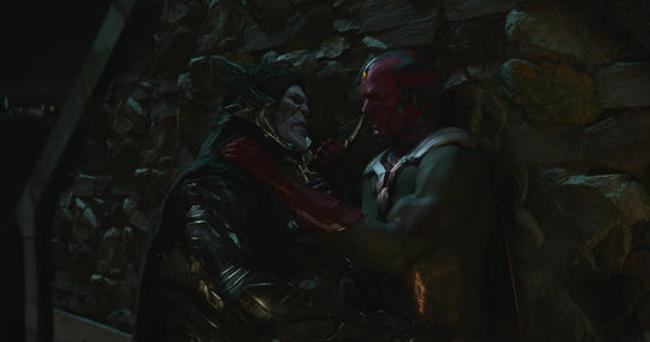 Vision đã chạm mặt nhân vật này khi bị hắn đánh lén tại đầu phim.