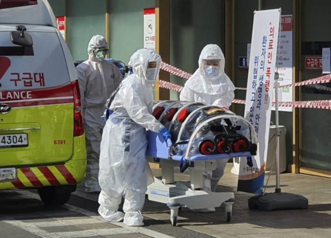 Số ca nhiễm dịch COVID-19 tại Hàn Quốc tăng lên gần 1.600