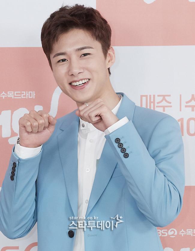 Seo Ji Hoon.