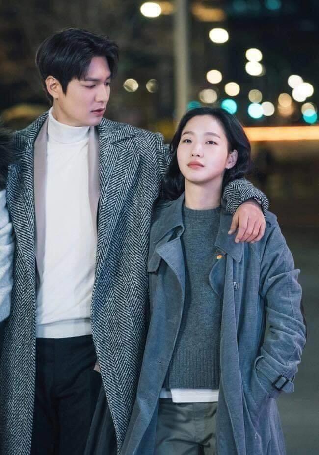 """Buổi hẹn hò theo phong cách """"xạ thủ"""" của Jang Tae Eul và bệ hạ Lee Gon"""