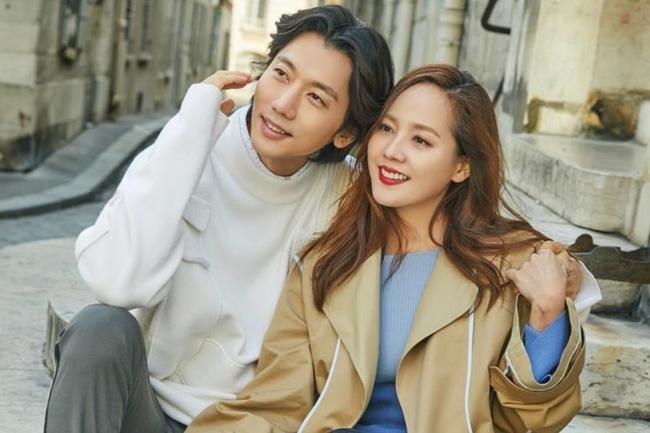 10 cặp đôi, vợ chồng nổi tiếng nhất Kbiz: Jung Kyung Ho tặng Sooyoung (SNSD) 1000 bông hồng ảnh 0