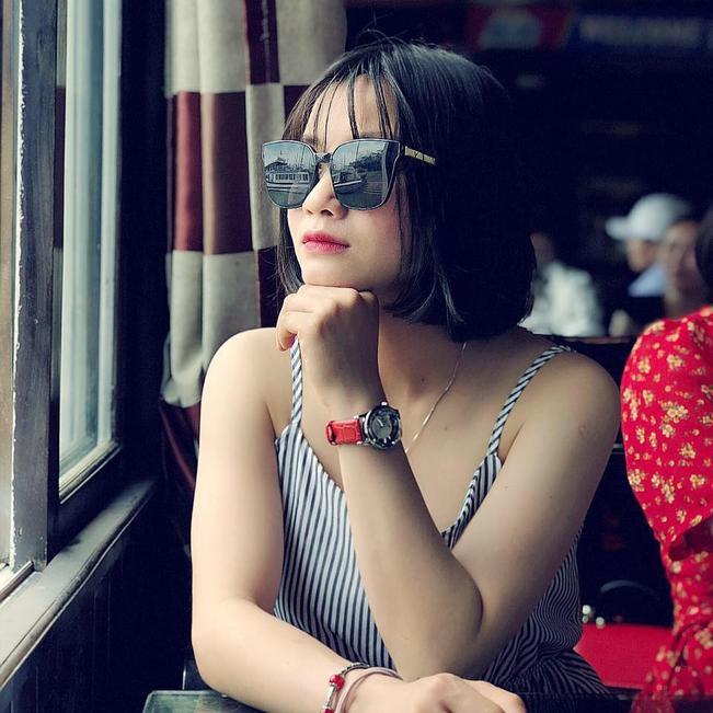 Là cô gái xinh xắn nhưng khát vọng chiến thắng của cô gái thuộc biên chế CLB Hà Nội là cực cao, trên sân cỏ Hoàng Thị Loan luôn cháy hết mình và chơi tốt ở mọi vị trí được giao phó.