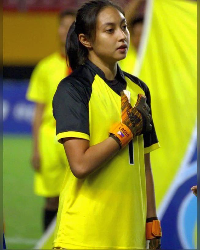 Thủ môn của tuyển Phlippines –Inna Palacios cũng là một trong những cái tên gây chú ý cộng đồng mạng