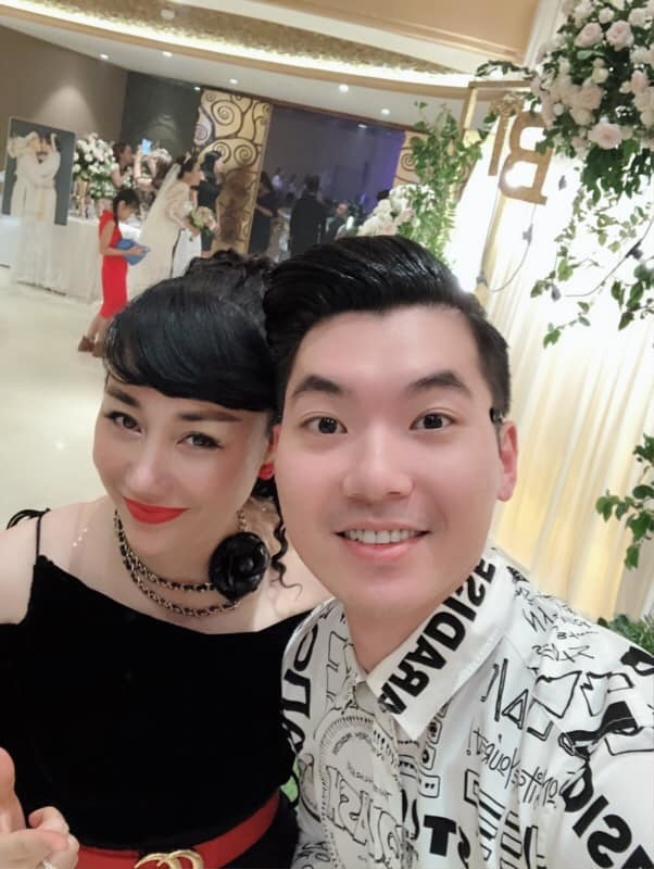 Từ khi kết hôn, Trương Nam Thành thường xuyên cập nhật những hình ảnh đời thường lên trang cá nhân để người hâm mộ có thể dễ dàng theo dõicuộc sốngthường ngày của hai vợ chồng