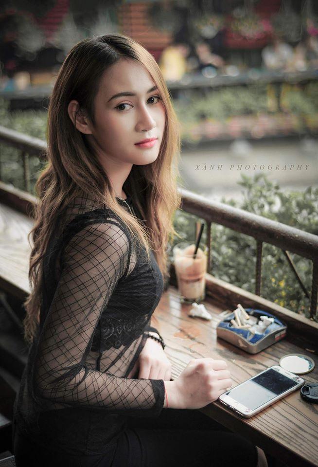 Ngoài đời thường, Lê Minh Hằng cũng thường xuyên đăng tải những bức hình chụp mỗi lần đi bất cứ đâu.