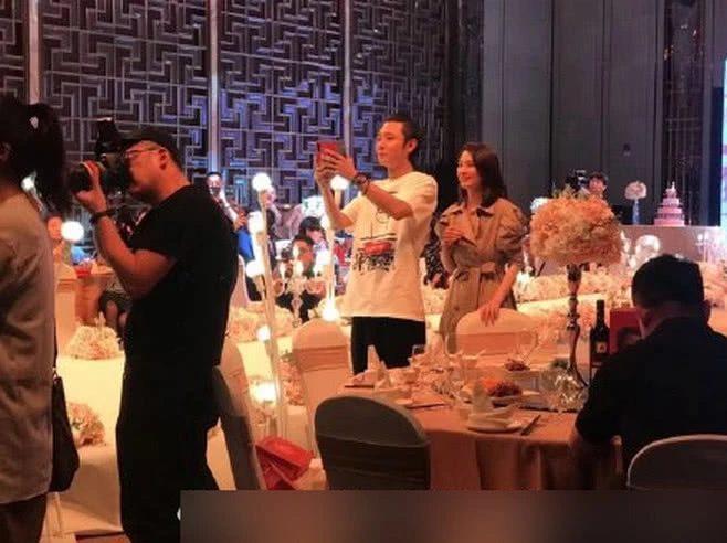 Hồng Hân bất ngờ cùng Trương Đan Phong dự đám cưới, thân mật âu yếm như chưa từng có chuyện gì xảy ra ảnh 2