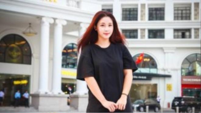 Yêu thích thời trang từ bé, Kim Chi muốn được theo đuổi ngành này nghiêm túc dù bị gia đình ngăn cấm. Ảnh: Tuấn Phong.