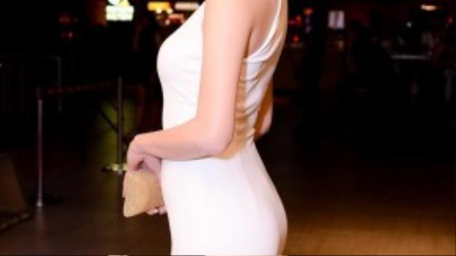 Từ một người mẫu, Khánh My lấn dần sang vai trò diễn viên. Cô sở hữu lối diễn xuất tự nhiên cùng ngoại hình quyến rũ. Cô từng để lại dấu ấn cho những khán giả yêu điện ảnh qua một số bộ phim như Ma dai, Trót yêu,…