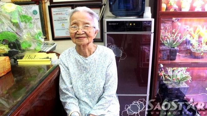 Cụ bà 92 tuổi và những hành trình không tưởng ảnh 0