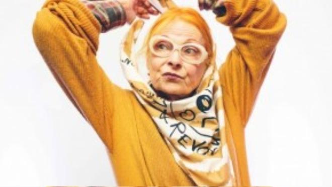 """Nhà thiết kế Vivienne Westwood thường nói với khách hàng: """"Hãy mua ít, chọn khéo và sử dụng bền lâu"""". Bà được mệnh danh là """"Nữ hoàng của sự nổi loạn"""" với vai trò tiên phong trong việc đem xu hướng Punk phá cách, có phần lập dị vào thời trang đầu những năm 1970. Không ai có thể phủ nhận tầm ảnh hưởng lớn của bà và sức mạnh của thời trang trong việc truyền tải những thông điệp và sự thay đổi của xã hội."""