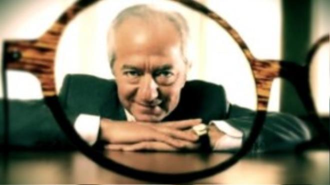 """Sáng lập viên của hãng kính mắt cao cấp của Ý Luxottica, Leonardo Del Vecchio cho rằng: """"Giá trị cuộc sống là điều quan trọng nhất"""". Ông từng là trẻ mồ côi và là tấm gương tiêu biểu cho câu chuyện """"từ khu ổ chuột đến cuộc sống giàu sang""""."""