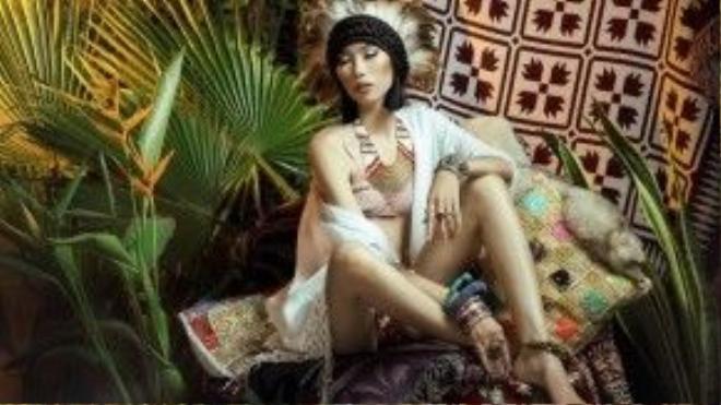 Những biểu cảm đầy mê hoặc của nàng thổ dân Kim Phương.