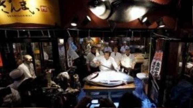 Theo Reuters, con cá ngừ năm nay có giá cao hơn 39.000 USD so với năm trước.