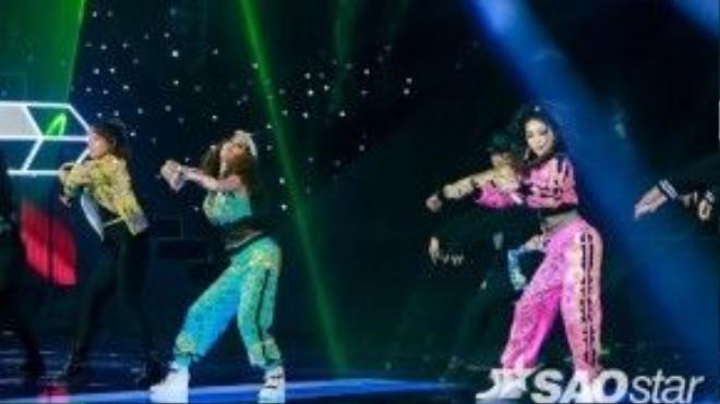 Không chỉ là nữ hoàng đường phố, Hạnh Sino- Emily còn là những nữ hoàng trong live show 5 của The Remix 2016.