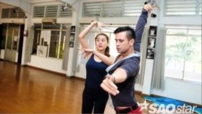 Bên cạnh đó, cả hai sẽ còn gửi đến khán giả những vũ điệu chuyên nghiệp và đẹp mắt.