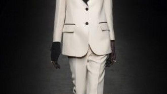 Sau Hedi Slimane. Alessandro là người thứ hai tạo ra những bộ le-smoking chỉn chu cho nhà mốt Gucci.