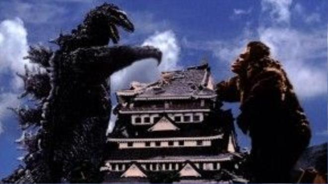 Godzilla, thành Osaka và King Kong trong bản phim Nhật năm 1962.
