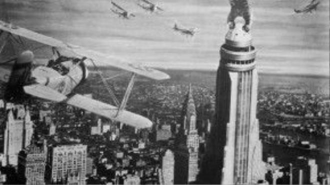 Cảnh King Kong trên nóc toà nhà Empire State.
