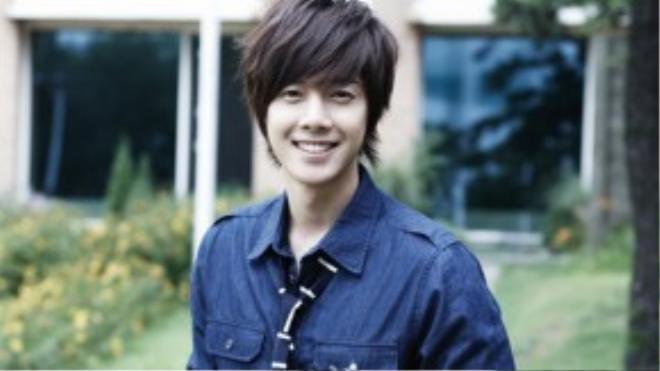 Nụ cười này của Kim Hyun Joong đã từng hạ gục mọi cô gái.