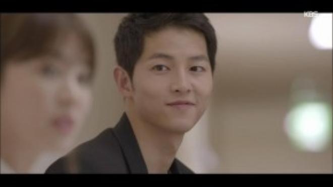 """Và đây là hình ảnh mới nhất của quân nhân Song Joong Ki trong bộ phim """"Hậu duệ của Mặt trời""""."""