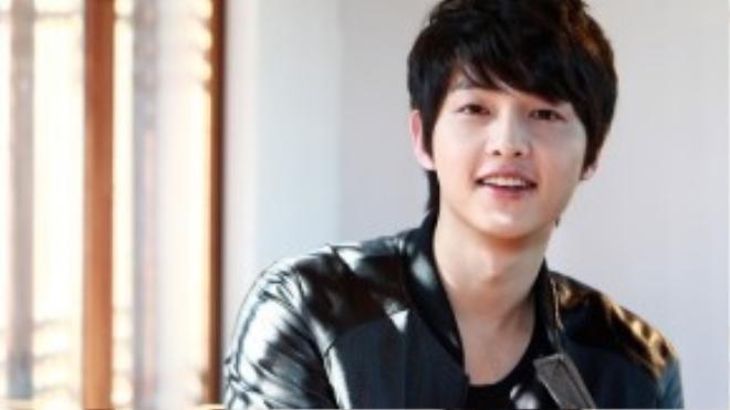 Đây là mái tóc được rất nhiều mỹ nam Hàn sử dụng vì luôn đẹp với mọi khuôn mặt.