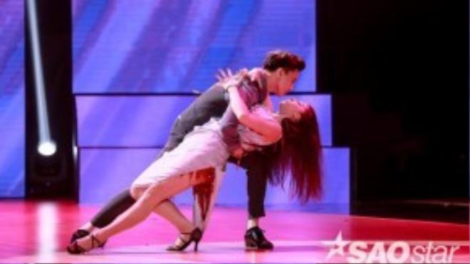 Thể hiện bài nhảy này qua thể loại Rumba, Tango và Jazz. Anh hứa hẹn sẽ làm đổ gục nhiều fan nữ trong đêm liveshow 5.
