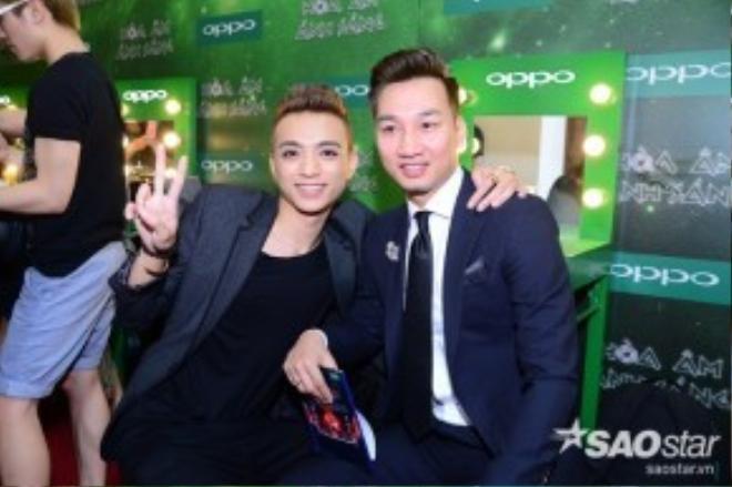 Soobin thân mật trò chuyện cùng MC Thành Trung.
