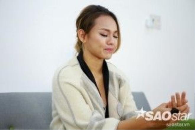 Mai Ngô bật khóc khi nhớ tới những khoảnh khắc trong buổi đánh giá và loại ở tập 3 – cũng là tập cô phải ra về