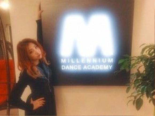 Minzy tự mở học viện dạy nhảy.