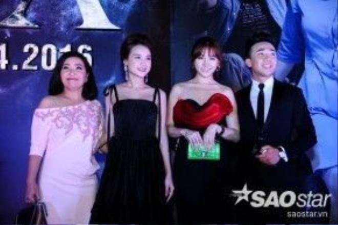 """Cặp đôi Hari Won và Trấn Thành chính là nam nữ diễn viên chính của """"Bệnh viện ma""""."""