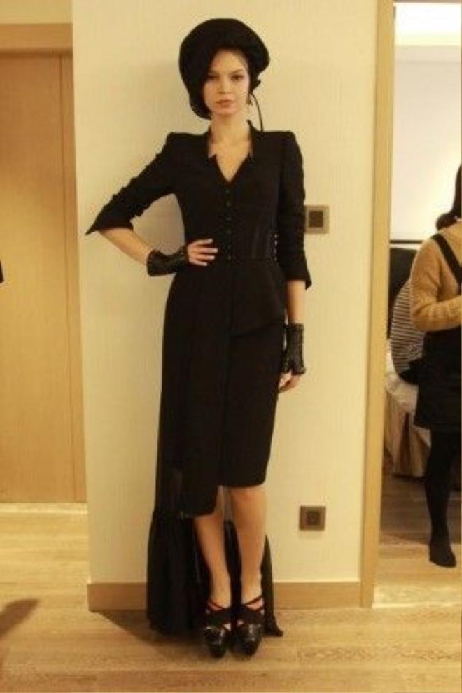 Ra đời năm 2006, thương hiệu cùng tên của NTK Kelly Bùi nhanh chóng gây được ấn tượng mạnh với giới mộ điệu khi là thương hiệu chuyên về thiết kế và sản xuất thời trang trình diễn, thời trang ứng dụng cao cấp dành cho phái nữ.