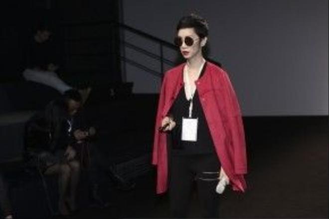Siêu mẫu Xuân Lan tại buổi tổng duyệt show trình diễn BST mới nhất của NTK Kelly Bùi.