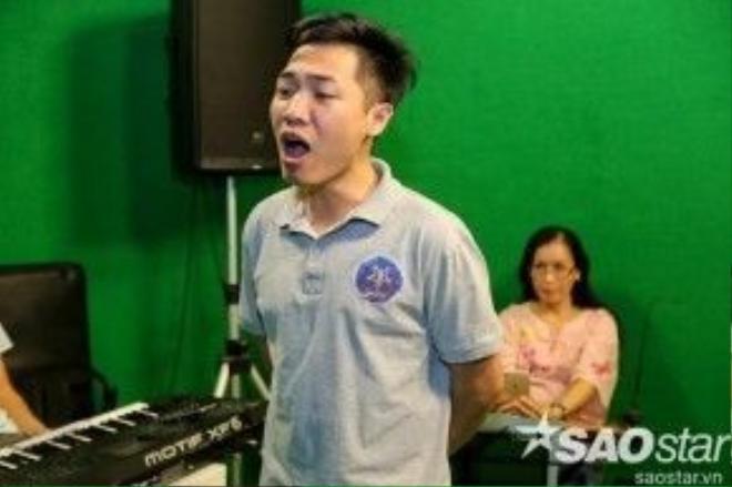 Anh chàng Tạ Đình Nguyên sẽ tiếp tục phát huy thế mạnh của mình trong đêm thi tuần trước qua một sáng tác của Công Thanh Bích. Ca khúc quen thuộc này hứa hẹn sẽ khiến khán giả thêm yêu thích anh chàng.