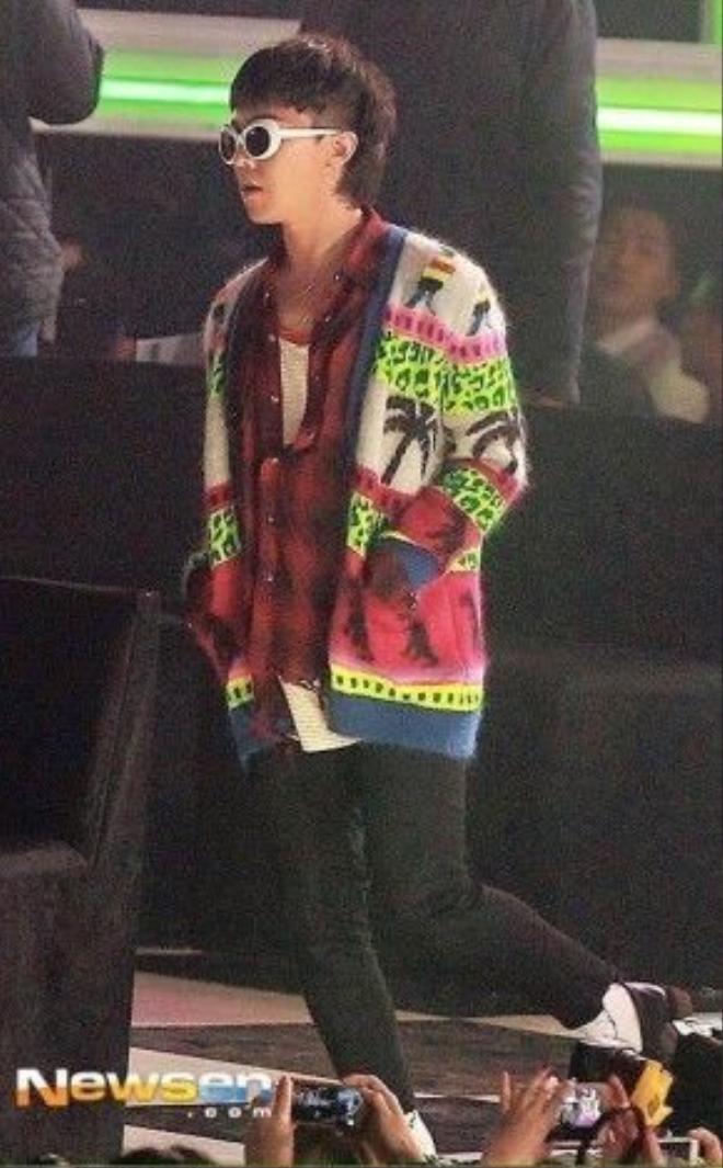Không lạ khi Sơn Tùng được coi như bản sao của G-Dragon vì vậy những món đồ thời trang yêu thích của G-Dragon thì Sơn Tùng đều có.